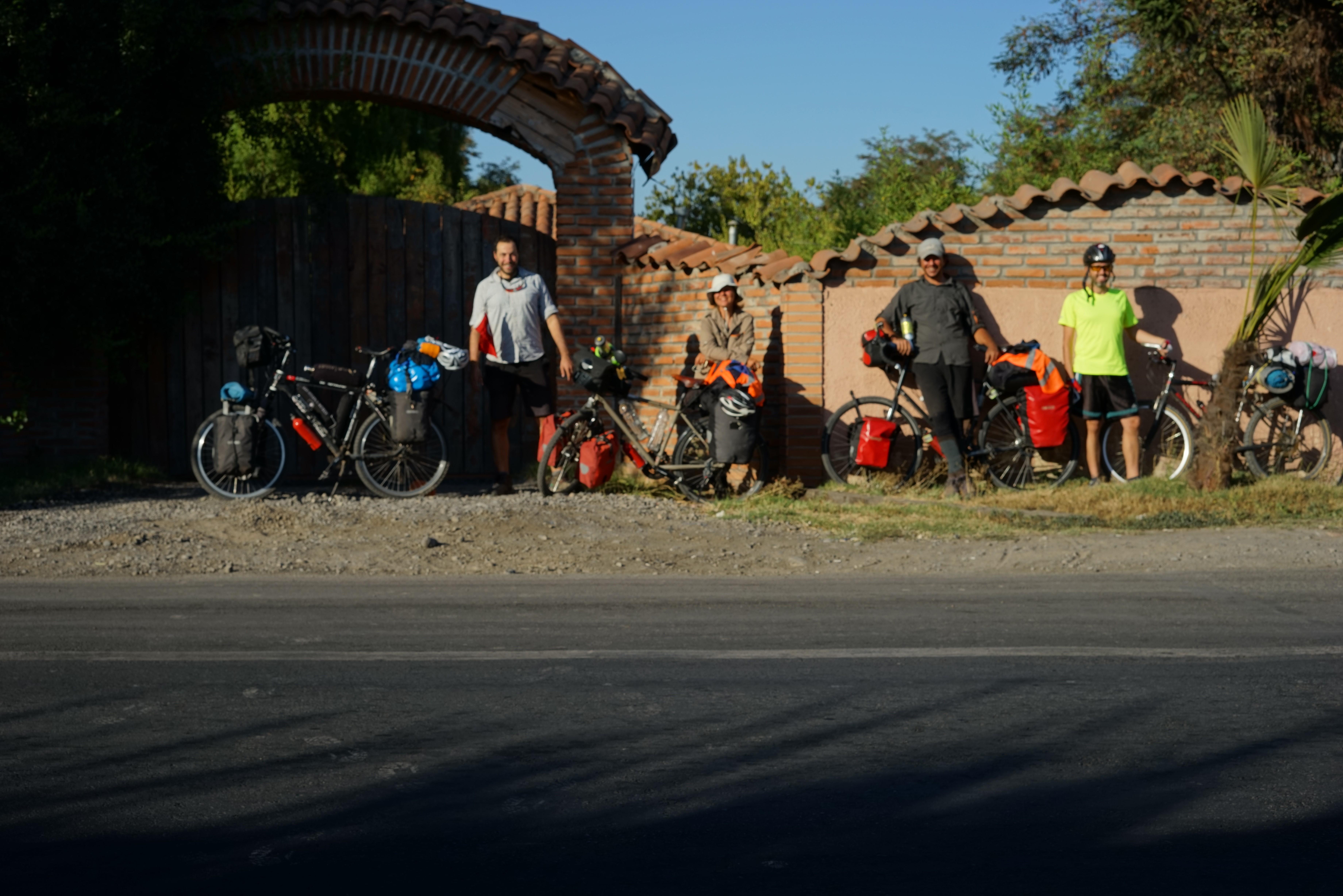 Dünyayı Bisikletiyle Gezen Türk Bisikletçiler